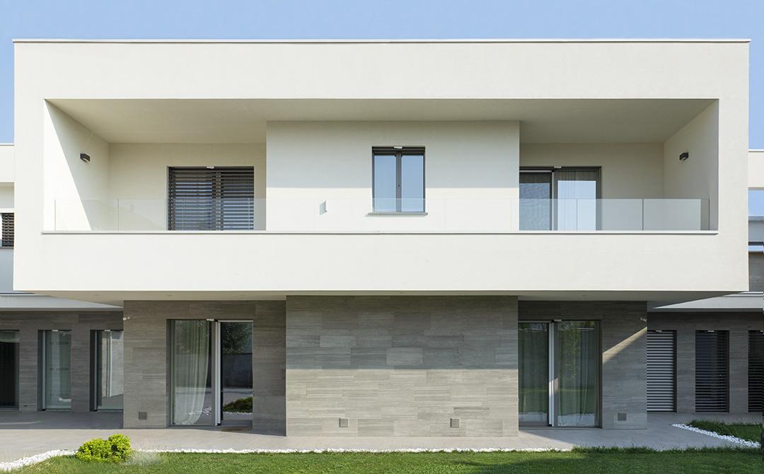 vista frontale casa Legnano